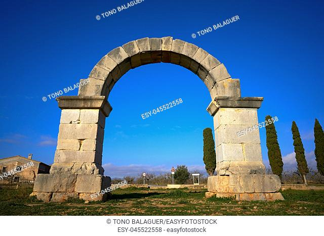 Cabanes roman arch at Via Augusta in Catellon of Spain