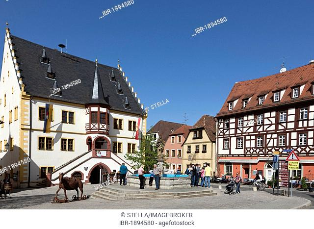 Market square with fountain and town hall, Volkach, Landkreis Kitzingen county, Lower Franconia, Bavaria, southern Germany, Germany, Europe