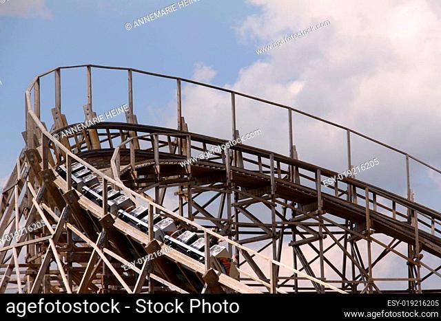 Holzachterbahn Mammut