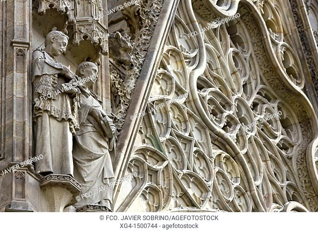 Detail of the sculptures of the main entrance of the neo-Gothic Cathedral of Barcelona - Catalonia - Catalonia - Cataluña - Spain