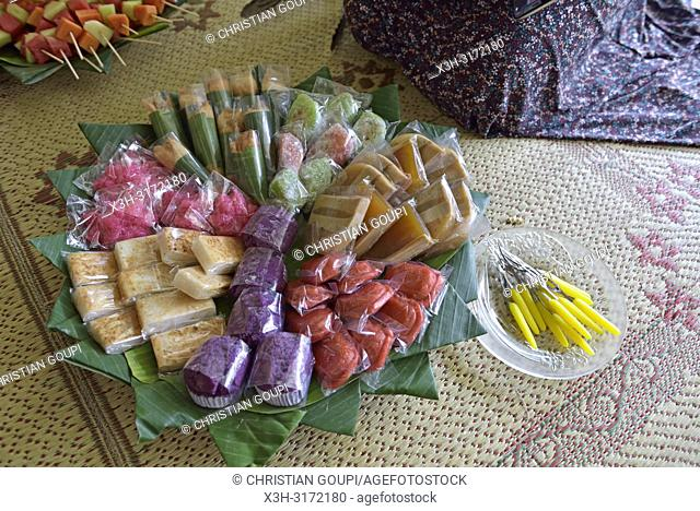 assorted cakes, Sondakan district, Solo (Surakarta), Java island, Indonesia, Southeast Asia