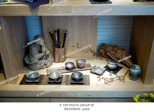 Heqing aloes and Pu-erh art of living