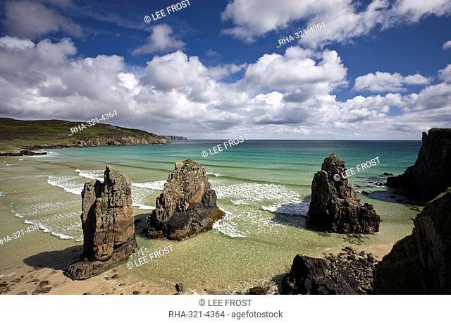 Sea stacks on Garry Beach, Tolsta, Isle of Lewis, Outer Hebrides, Scotland, United Kingdom, Europe