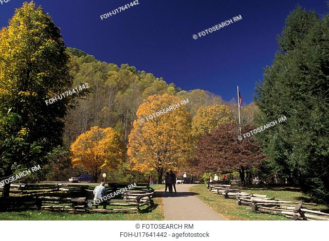 NC, North Carolina, Great Smoky Mountains National Park, Pioneer Farmstead, fall