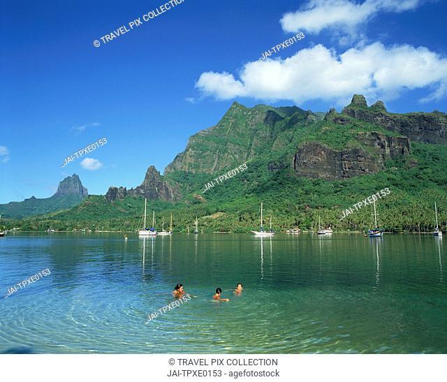 French Polynesia, Tahiti, Moorea Island, Cooks Bay