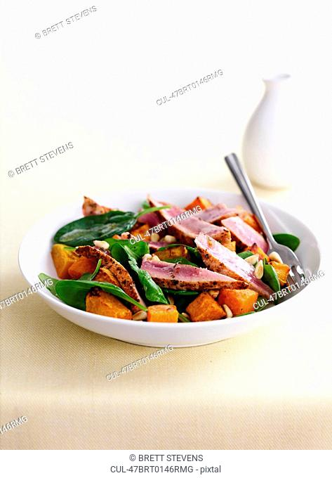 Bowl of meat with vegetables