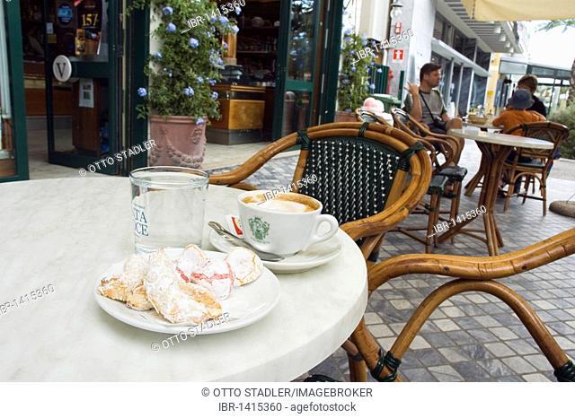 Pasticcini, almond cookies, cappuccino, Caffe Versilia coffeehouse, Pasticceria, Marina di Pietrasanta, Tuscany, Italy, Europe