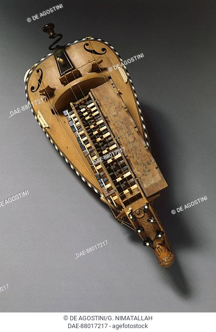 Hurdy-gurdy, 18th century.  Florence, Museo Bardini (Art And Arts And Crafts Museum)