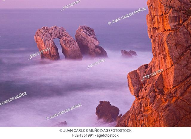Puerta del Cantábrico, Liencres, Cantabria province,Cantabrian Sea, Spain, Europe