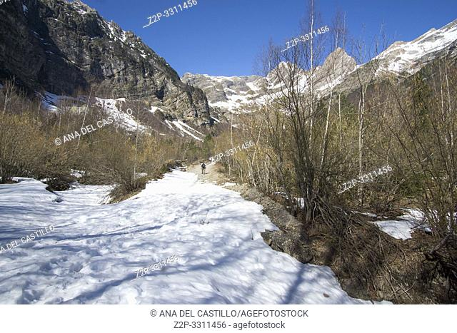 Climbing La larri llanos Pineta glacial cirque Huesca Aragon Spain