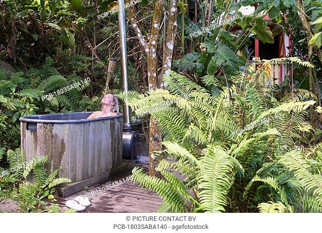 Saba, ecolodge bath tube