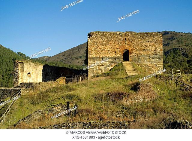 Castle of Torrenovaes  Quiroga, Galicia, Spain
