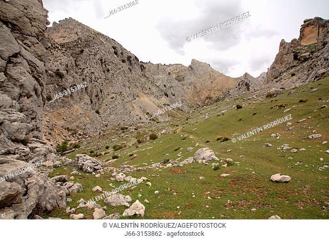 Route trhough the Barranco de la Osa, over the birth valley of the Castril river. Sierra Castril natural park. Granada