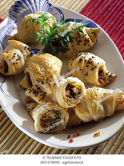 Puff pastry croissants filled with mussels