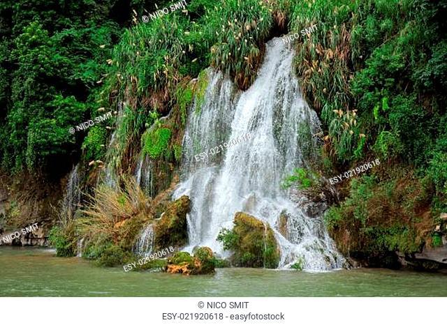 Li-river waterfall