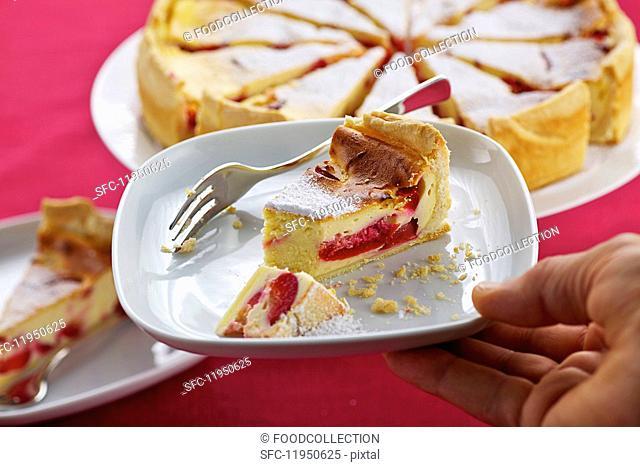 Quark cake with plums
