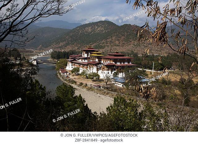 Punakha Dzong across the Mo Chhu River. Punakha, Bhutan