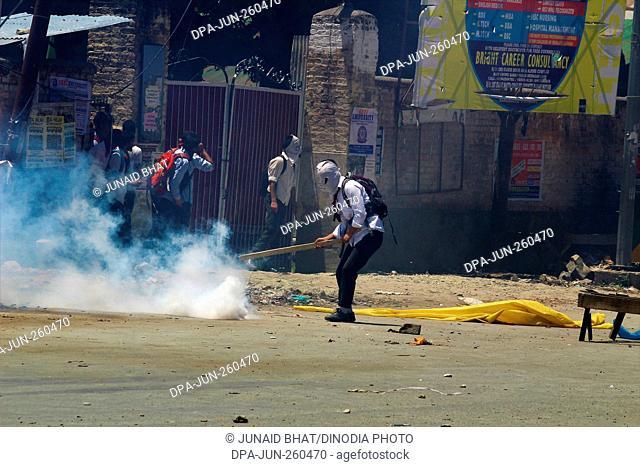 Kashmiri students protest, Kashmir, India, Asia