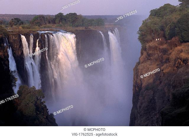 VICTORIA FALLS on the ZAMBEZI RIVER is AFRICA'S most spectacular waterfall & divides ZAMBIA & ZIMBABWE - 31/07/2009