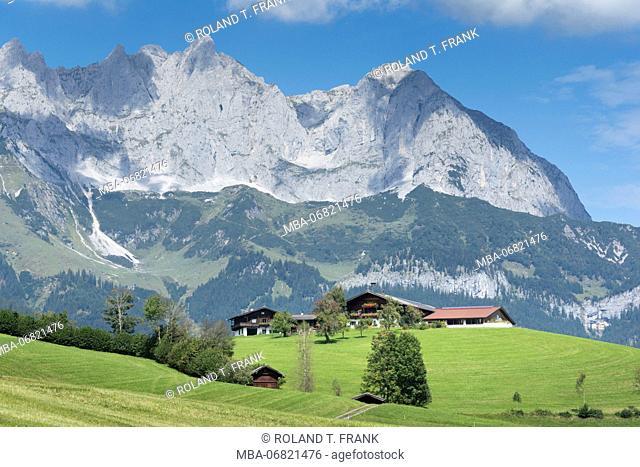Austria, Tyrol, scenery Reith bei Kitzbuehel, in the background the Kaiser Mountains