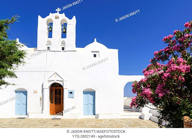 Whitewashed Agios Konstantinos in Artemonas, Sifnos, Cyclades, Greece