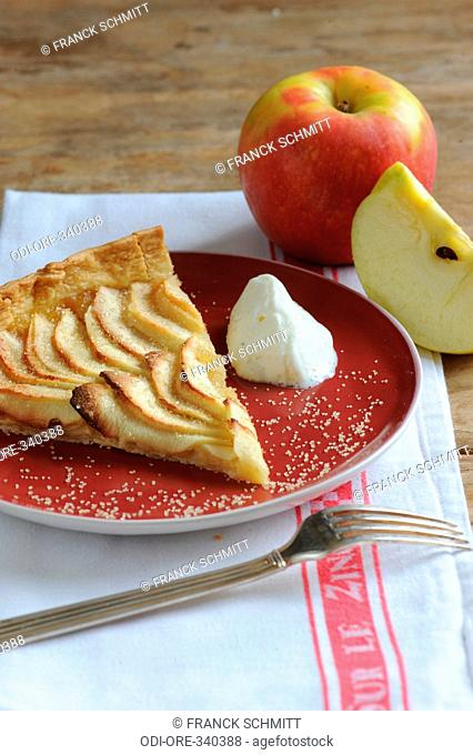Apple and toffee pie