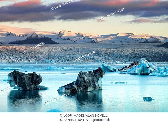 Icebergs on Jokulsarlon Glacial lagoon backed by the Vatnajokull Glacier