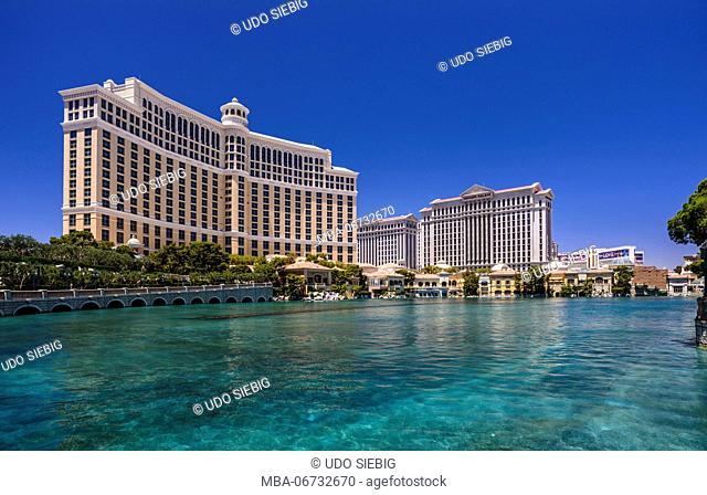 The USA, Nevada, Clark County, Las Vegas, Las Vegas Boulevard, The Strip, Bellagio, Caesar Palace