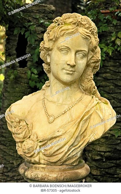 Bust of empress Sissi in the Palmenhain of Elx, moose, Costa Blanca, Spain