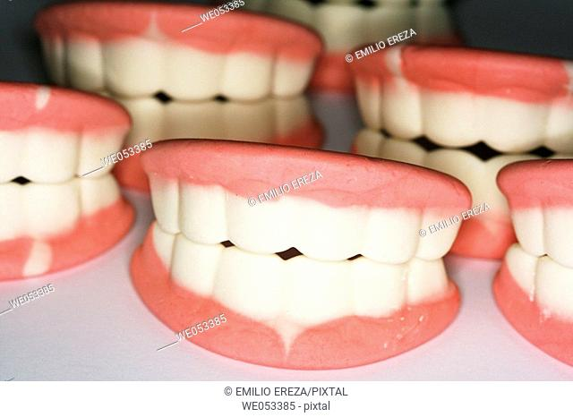 Candy teeth