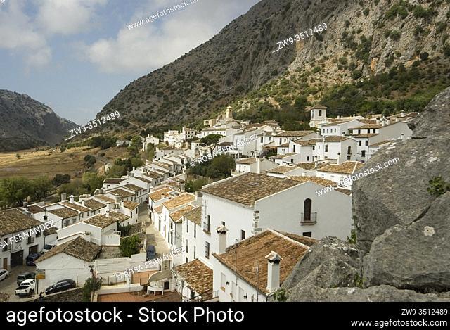 View of Villaluenga del Rosario, Grazalema Range, province of Cadiz, Andalucia, Spain