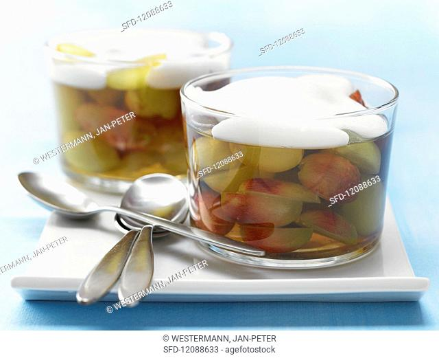 Grapes in jelly with almond milk foam