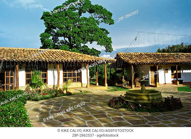 Finca Buenos Aires, with traditional whitewash houses made of tapia pisada (mud and straw)