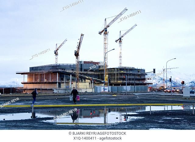 Downtown Reykjavík, Iceland, 23/01/2009: The construction of the Icelandic National Concert & Conference Centre in Reykjavik is now under threat due to the...