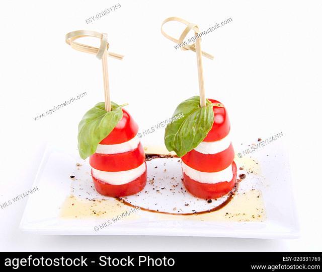 frische tomaten mozzarella mit Basilikum salat caprese
