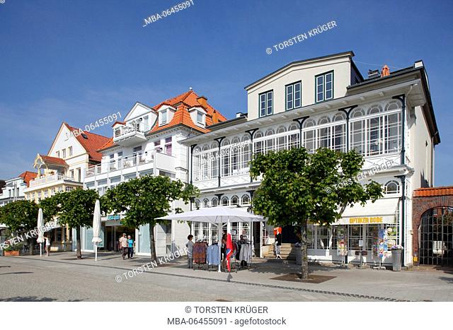 Houses in the front row, promenade, Lübeck-Travemünde, Schleswig - Holstein, Germany