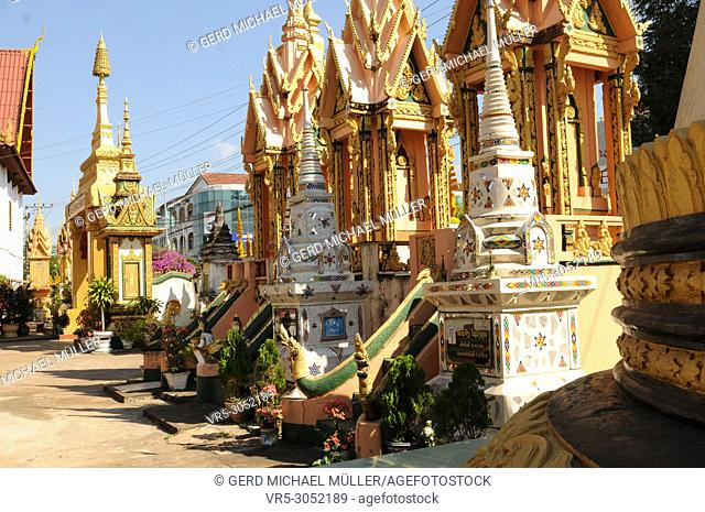 Laos: Beautifull graves at Indochinas biggest Theravada-Buddhist College in Champasak, Pakse