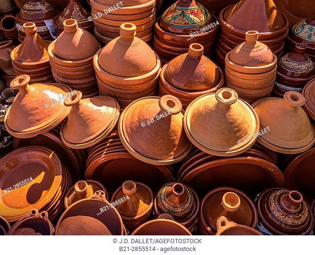 """Morocco, handicraft- ceramics, mainly """"tagine"""" plates"""