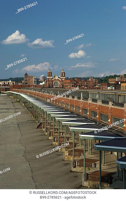 HISTORIC PENN RAILROAD FRUIT MARKET BUILDING THE STRIP DISTRICT DOWNTOWN PITTSBURGH PENNSYLVANIA USA
