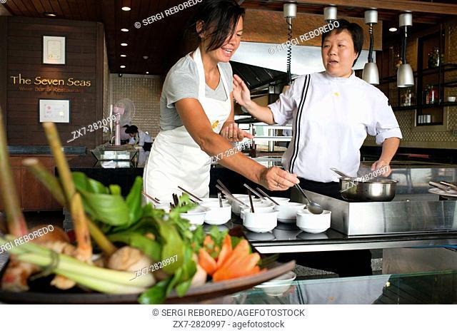 Thai Cooking Classes in The Seven Seas Wine Bar & Restaurant, Pimalai Resort, Kantiang Beach, Ko Lanta or Koh Lanta island, Krabi, Thailand, Asia