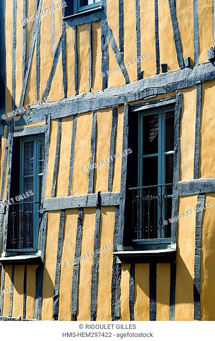 France, Mayenne, Chateau Gontier, timber frame house in Rue d Olivet