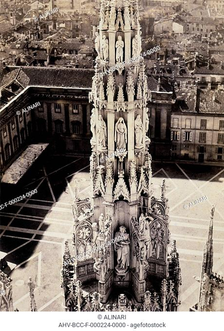 Detail of the pinnacle of the Cathedral of Milan (XIX century), shot 1860 ca. by Deroche & Heyland