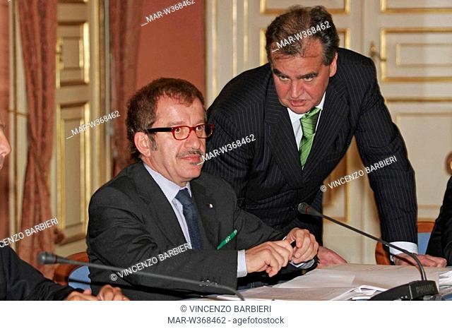 roberto maroni and roberto calderoli,council of ministers,napoli 10-10-2008 ,photo vincenzo barbieri/markanews