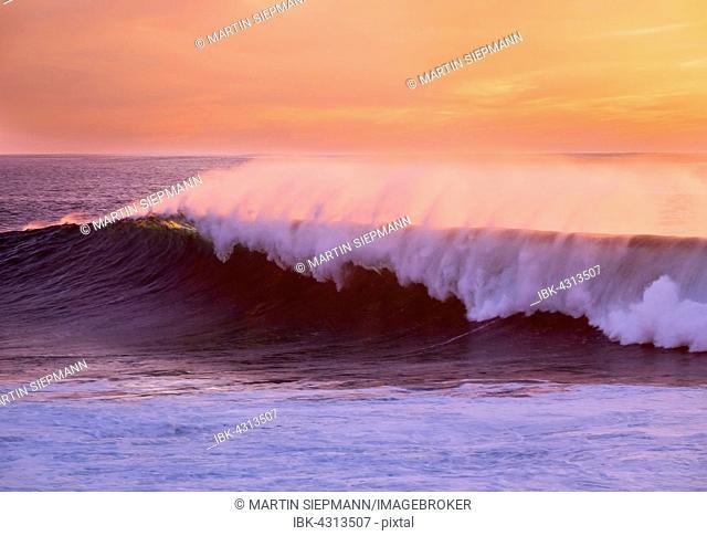 Ocean wave at sunset, Atlantic, Valle Gran Rey, La Gomera, Canary Islands, Spain