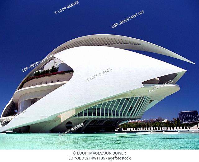 The Ciudad de las Artes y las Ciensias with the Palau de les Arts