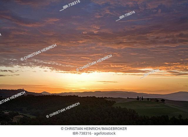 Sunrise, Val d'Orcia, Tuscany, Italy, Europe