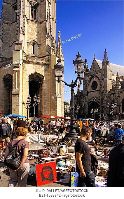 Sunday flea market on Place Saint Michel, at Bordeaux, Gironde, Aquitaine, France
