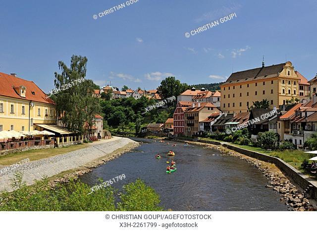 canoes on the Vltava river at Cesky Krumlov Castle, South Bohemia, Czech Republic, Europe