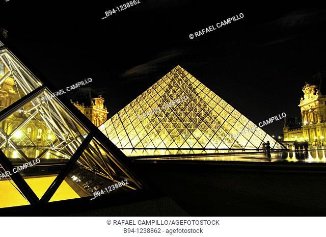 Glass pyramide, by Ieo Ming Pei, at Napoléon court. Palais du Louvre. Musée du Louvre. Paris, France