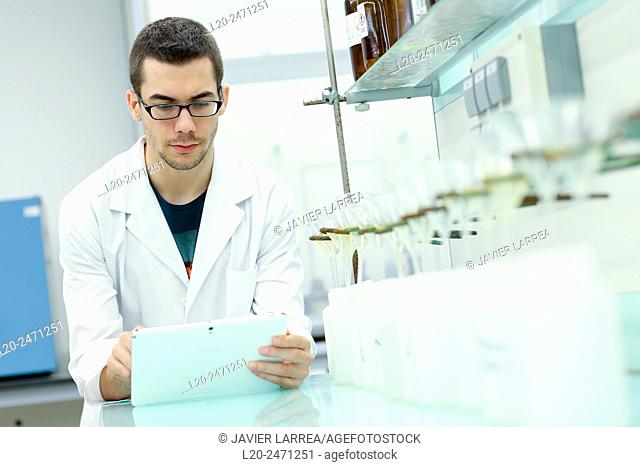 Researcher. Disaggregation and sample preparation arid steel, for further analysis determination of oxides, Laboratory, Research on building materials